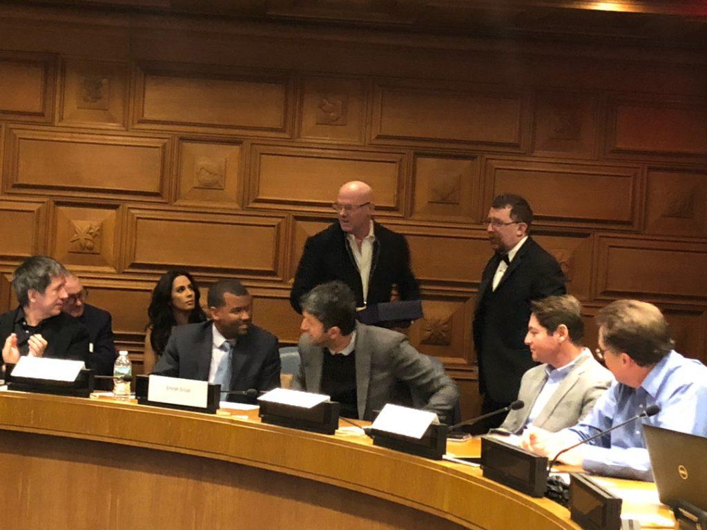 Mark preseting AI leadership award leadership to Kfir Godrich, CTO of Blackrock at UN HQ- AI Pioneers Meetings 2018